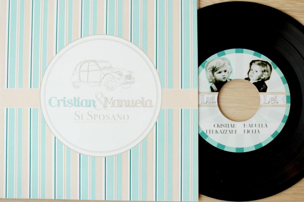 Esempio Partecipazioni Matrimonio: formato quadrato stile disco vinile