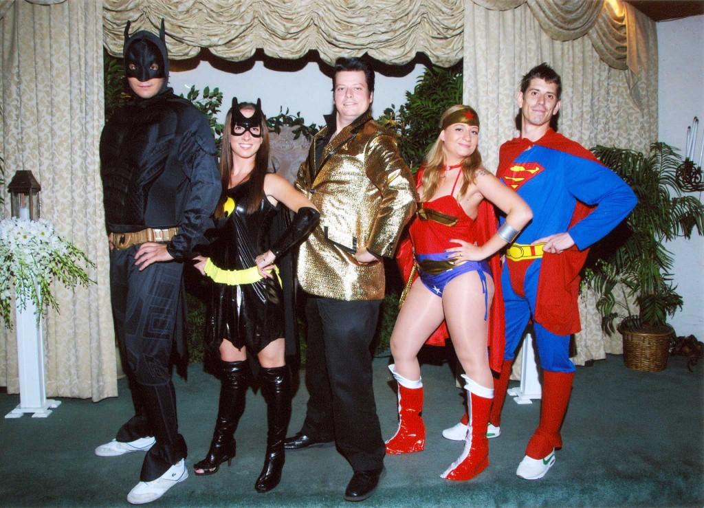 sposarsi a las vegas con testimoni vestiti da supereroi