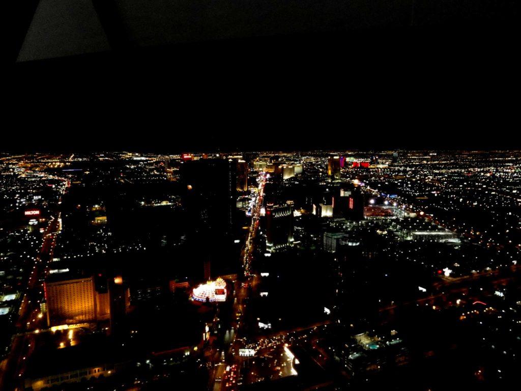 sposari a las vegas - vista dal ristorante della stratosphere tower