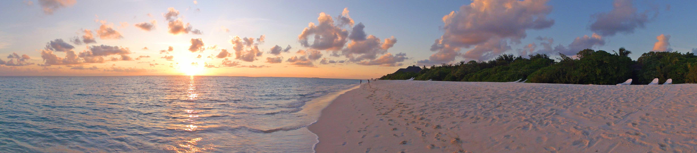 viaggio di nozze maldive: tramonto in spiaggia