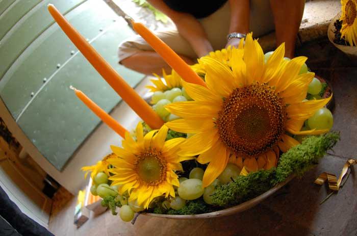 Festa Compleanno 50 Anni: allestimento floreale con i girasoli