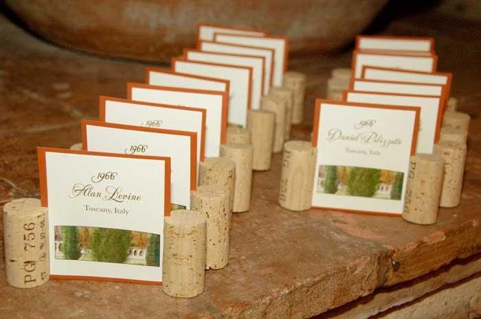 Compleanno 50 Anni: segnaposto con i tappi del vino