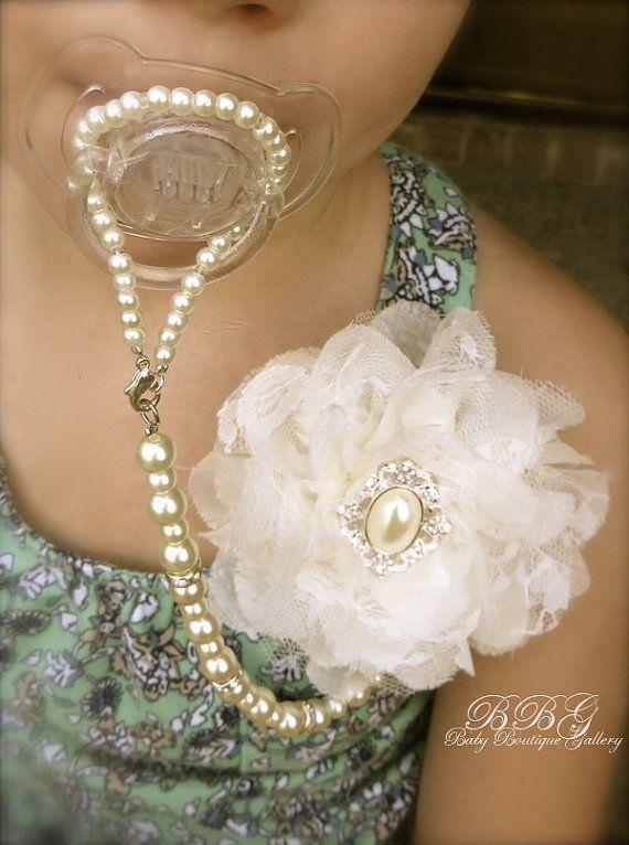 Regalo Battesimo Padrino: Ciuccio con catenina di perle