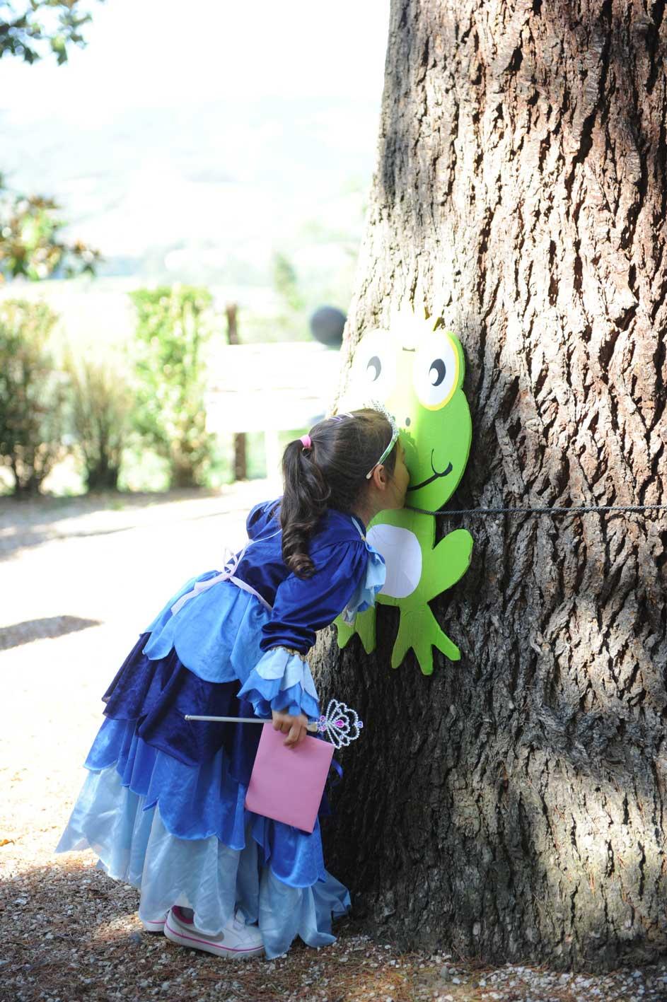 Festa di compleanno a tema pirati e principesse con la rana