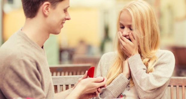 Come regalare l'anello di fidanzamento