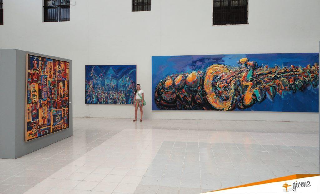 honeymoon in mexico Museo de Arte Contemporaneo merida