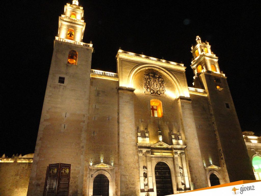 Honeymoon in mexico Catedral de San Ildefonso merida