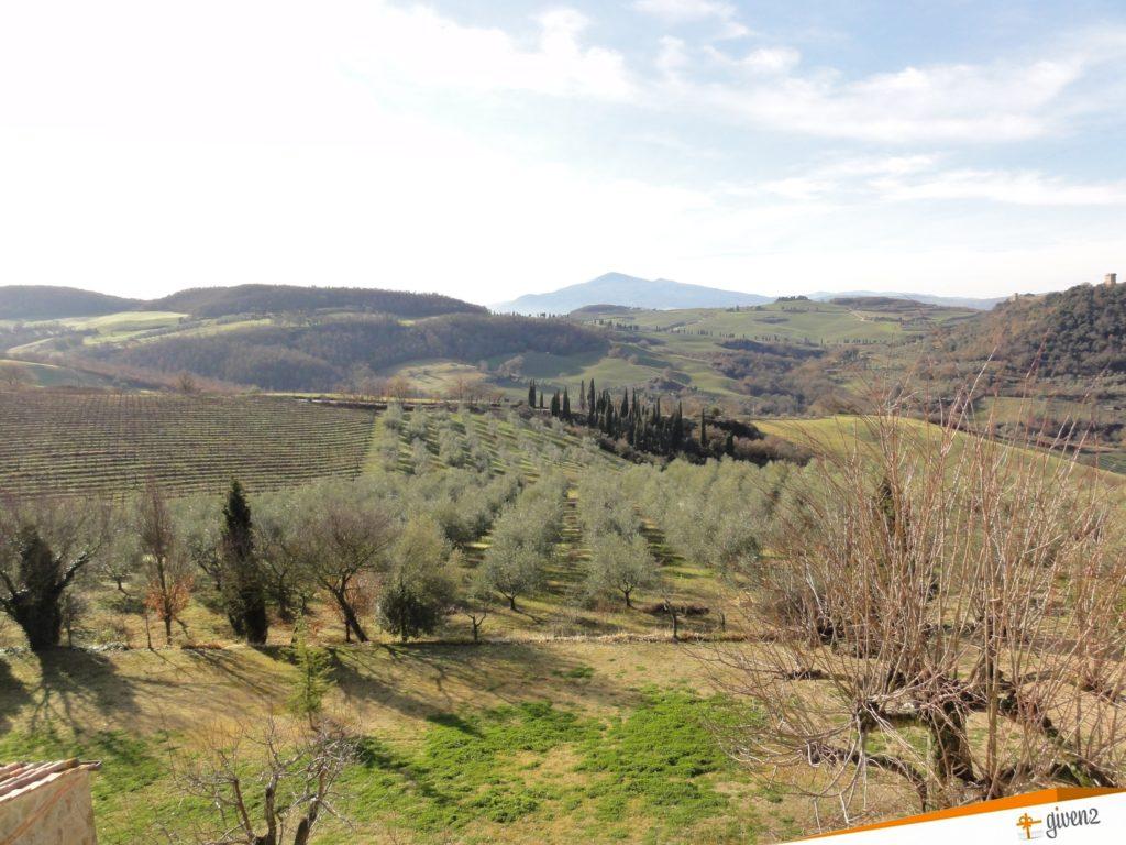 Italy honeymoon itinerary Tuscany landscape