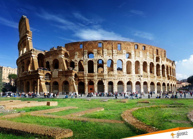 Italy Honeymoon itinerary Colosseum Rome