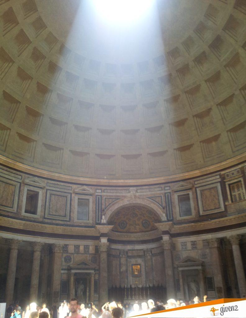 Italy Honeymoon itinerary Pantheon Rome