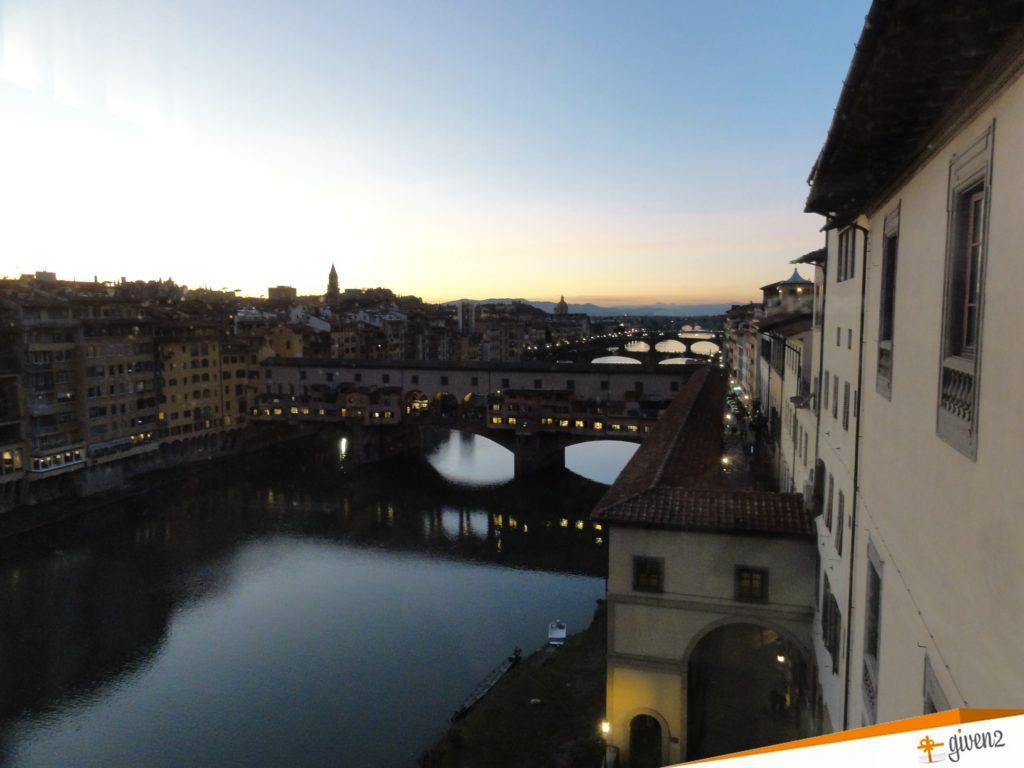 Italy honeymoon itinerary ponte vecchio