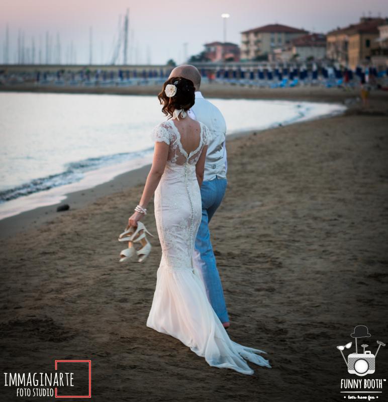 matrimonio sulla spiaggia: foto degli sposi
