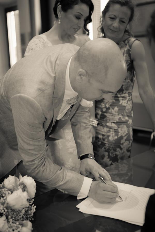 il matrimonio vintage è fatto: i documenti sono stati firmati