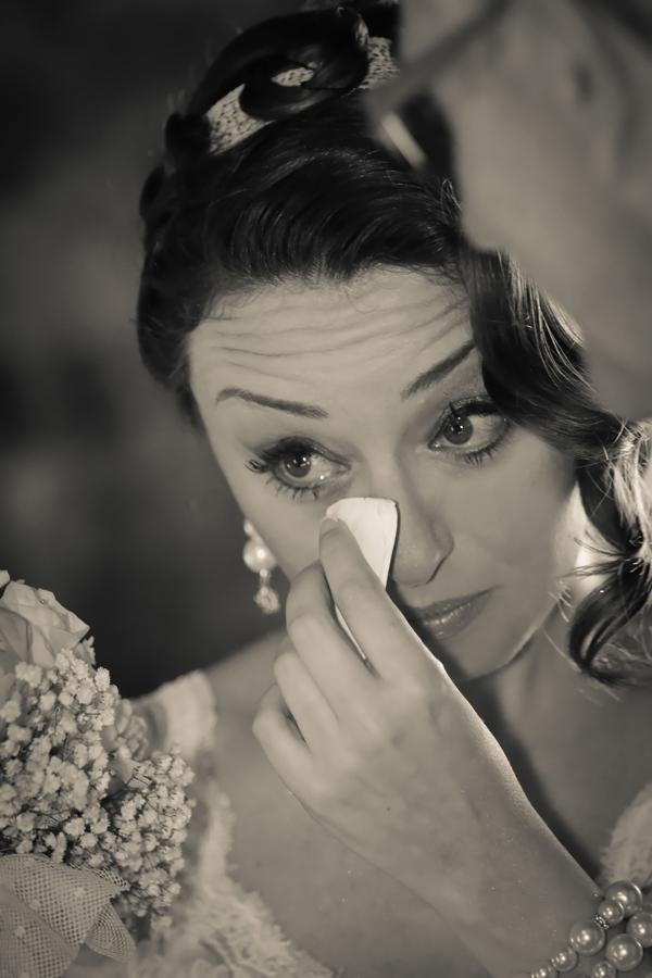 matrimonio vintage: la sposa si commuove