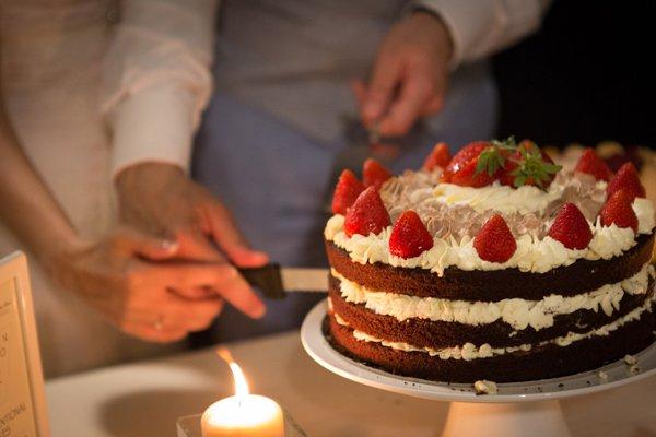 taglio torta matrimonio vintage
