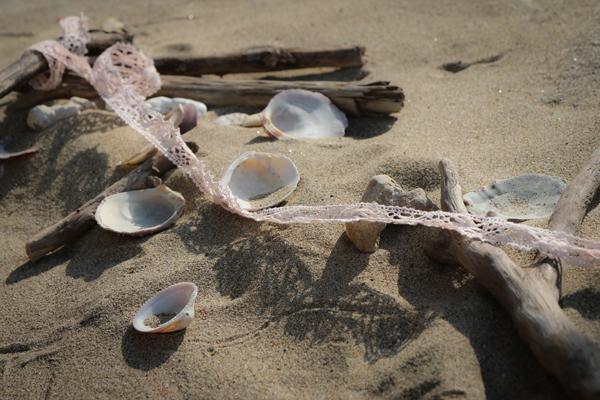 passerella del matrimonio vintage sulla spiaggia