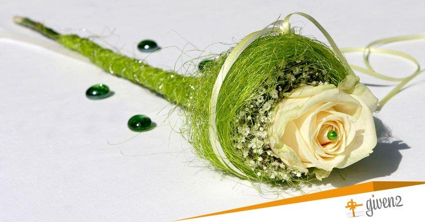 Bouquet Sposa Con Un Solo Fiore.Bouquet Sposa Particolari E Senza Fiori Stupisci I Tuoi Invitati