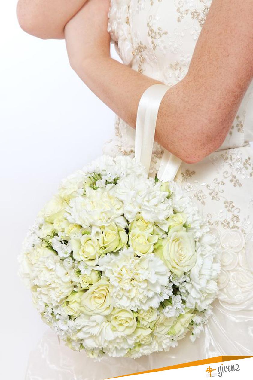 Bouquet Da Sposa Particolari.Le 5 Tipologie Principali Di Bouquet Sposa Da Abbinare All Abito