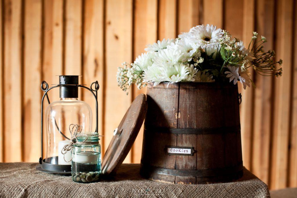 wedding centerpieces lantern barrel floting candels