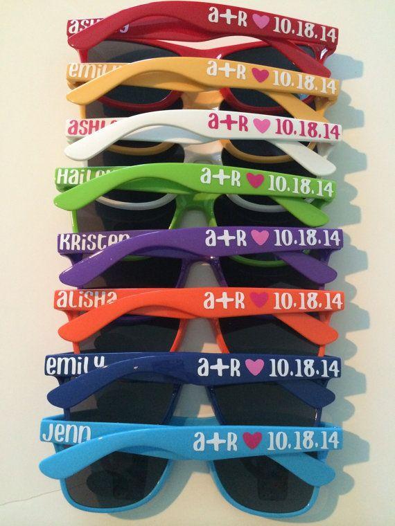 idee bomboniere matrimonio in spiaggia: occhiali da sole personalizzati