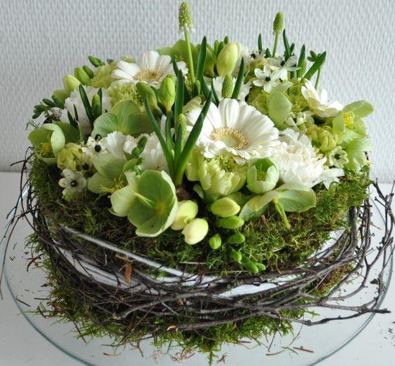 centrotavola battesimo nidi con fiori