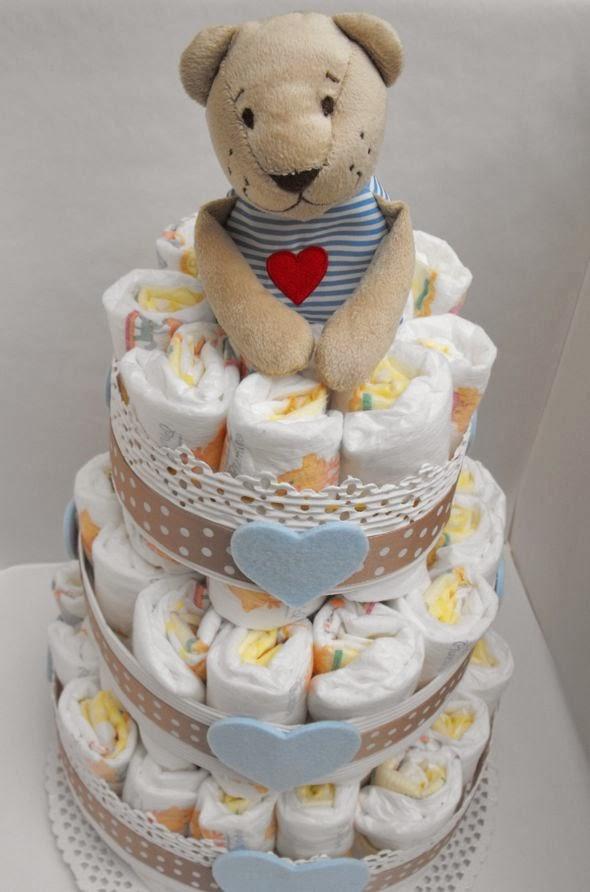 torta di pannolini con peluche