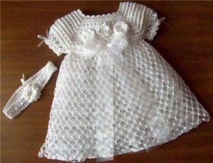 vestito ricamato per battesimo bimba