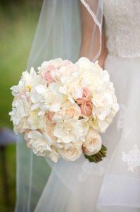 Brautstrauß mit Gardenien