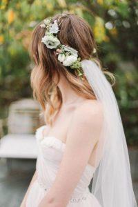 velo sposa con corona di fiori