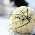 beige rose bouquet